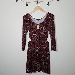 AEO NWT Soft & Sexy Dark Floral Cut Out Dress S